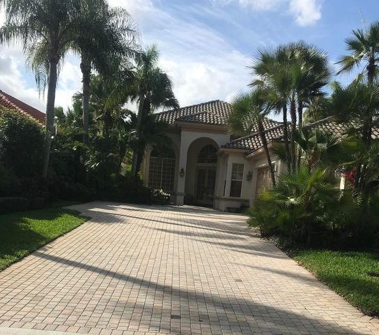 3338 W Degas Drive, Palm Beach Gardens, FL 33410