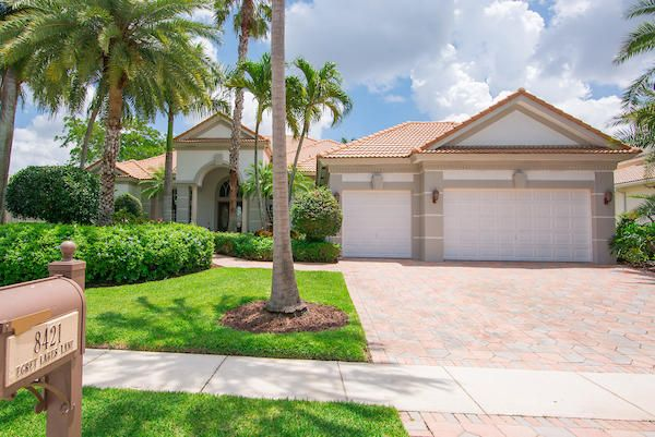 8421 Egret Lakes Lane, West Palm Beach, FL 33412