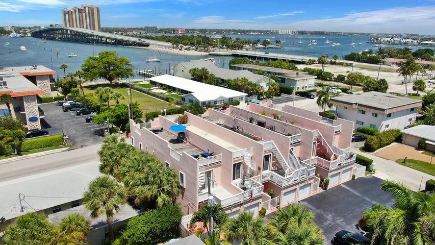 1101 Beach Road F, Palm Beach Shores, FL 33404