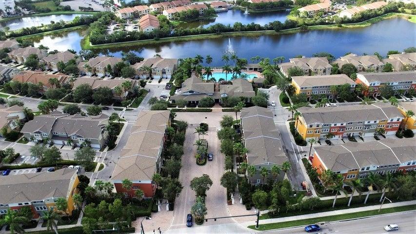 980 Marina Del Ray Lane 6, West Palm Beach, FL 33401