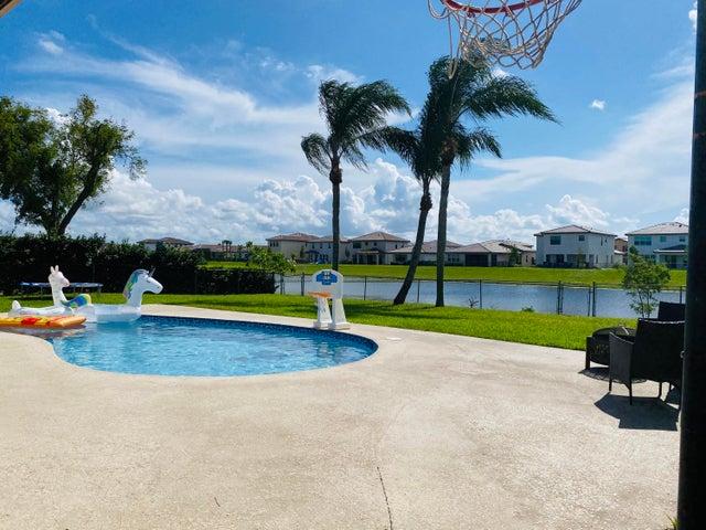 141 Sunflower, Royal Palm Beach, FL 33411