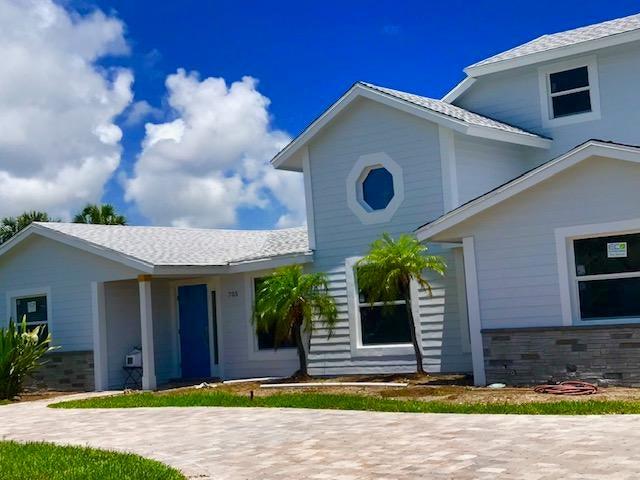 705 Robin Way, North Palm Beach, FL 33408