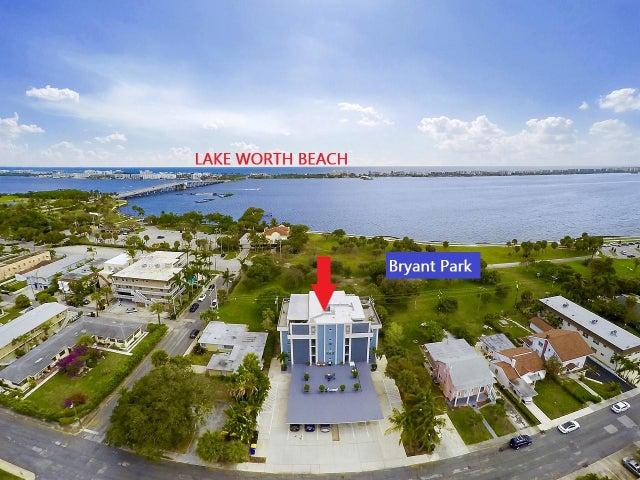 208 S Lakeside Drive 202, Lake Worth Beach, FL 33460