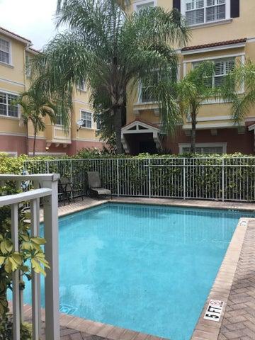 290 NE 5th Avenue 16, Delray Beach, FL 33483