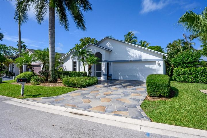 1344 Waterway Cove Drive, Wellington, FL 33414