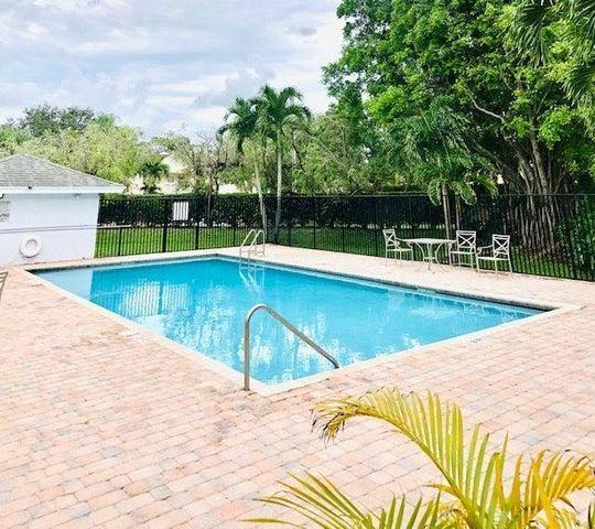 80 Fairway Lane, Royal Palm Beach, FL 33411