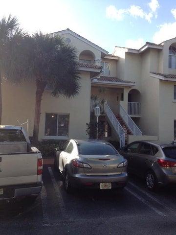20201 Glenmoor Drive, West Palm Beach, FL 33409