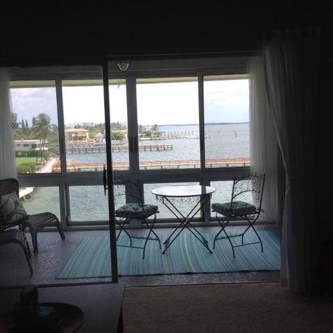 410 Wilma Circle 403, Riviera Beach, FL 33404