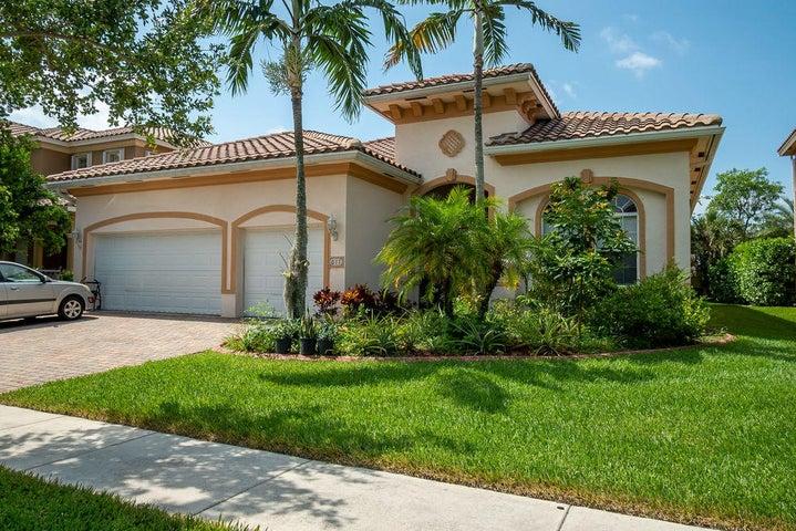 611 Cresta Circle, West Palm Beach, FL 33413