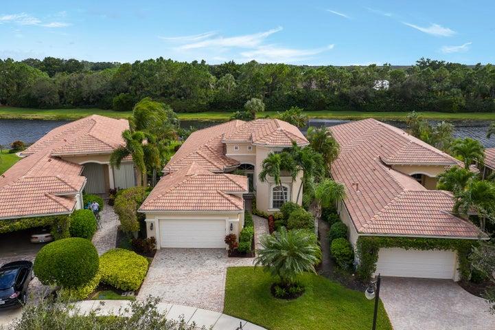144 Esperanza Way, Palm Beach Gardens, FL 33418