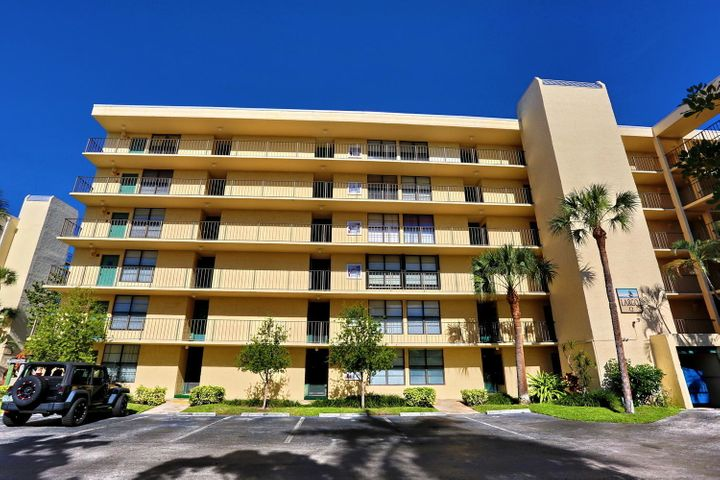 3 Royal Palm Way, 3060, Boca Raton, FL 33432