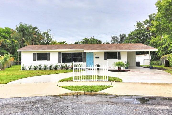 1048 Park Circle S, West Palm Beach, FL 33405