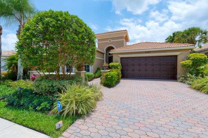9482 Via Elegante, Wellington, FL 33411