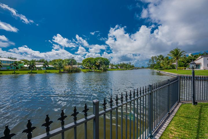 921 SW 36th Avenue SW, Boynton Beach, FL 33435