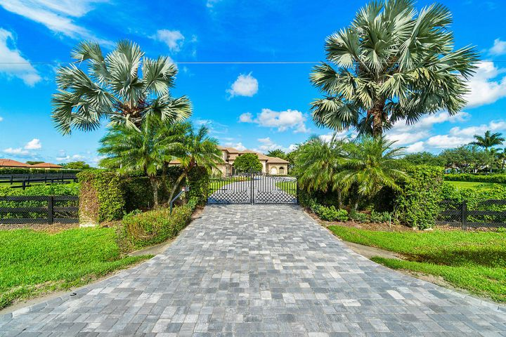 4600 Garden Point Trail, Wellington, FL 33414