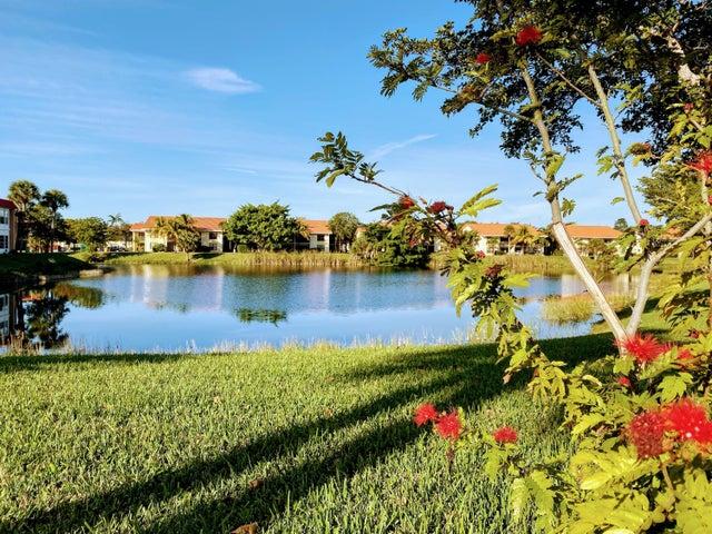 301 Lake Evelyn Drive, West Palm Beach, FL 33411