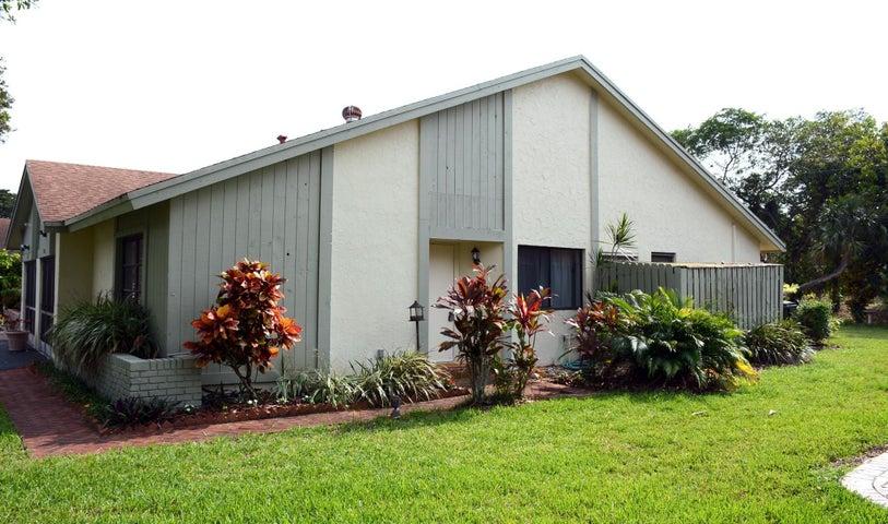 4335 Palm Forest Drive N, Delray Beach, FL 33445