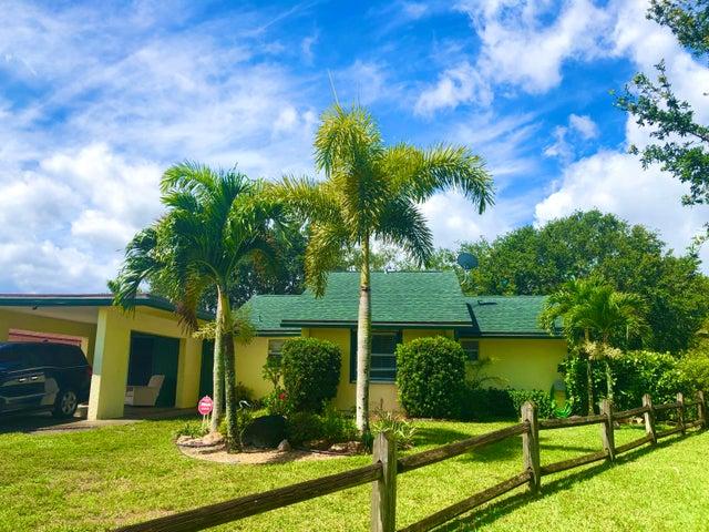 10450 Pippin Lane, Royal Palm Beach, FL 33411