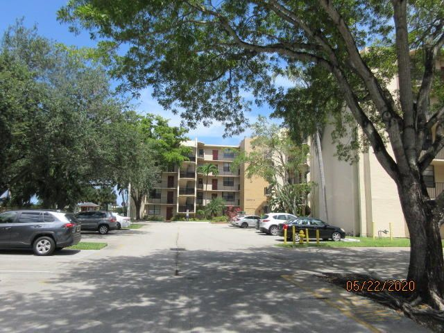3590 Blue Lake Drive, 203, Pompano Beach, FL 33064
