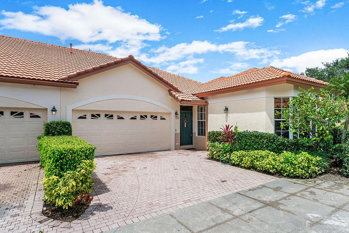 160 Spyglass Way, Palm Beach Gardens, FL 33418