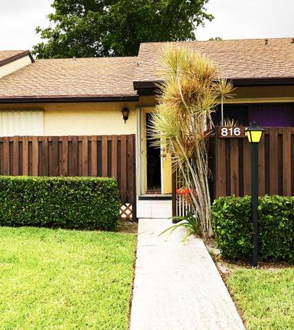 816 Sky Pine Way, Apt E, Greenacres, FL 33415
