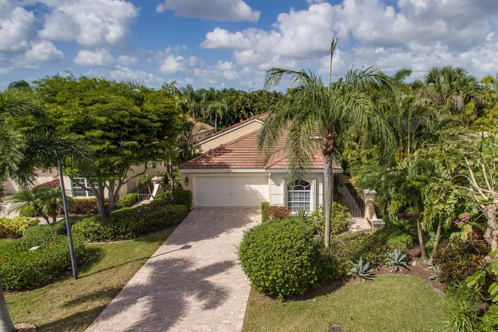 10791 Royal Devon Way, Wellington, FL 33449