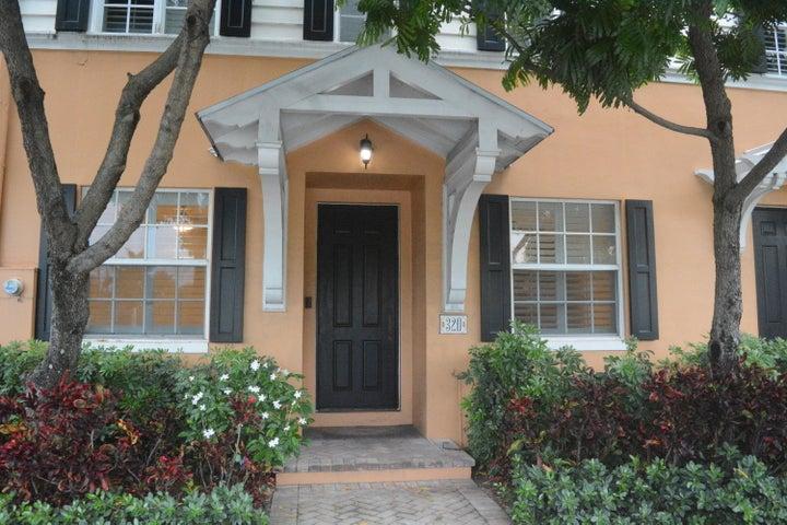 320 W W Mallory Circle Circle, Delray Beach, FL 33483