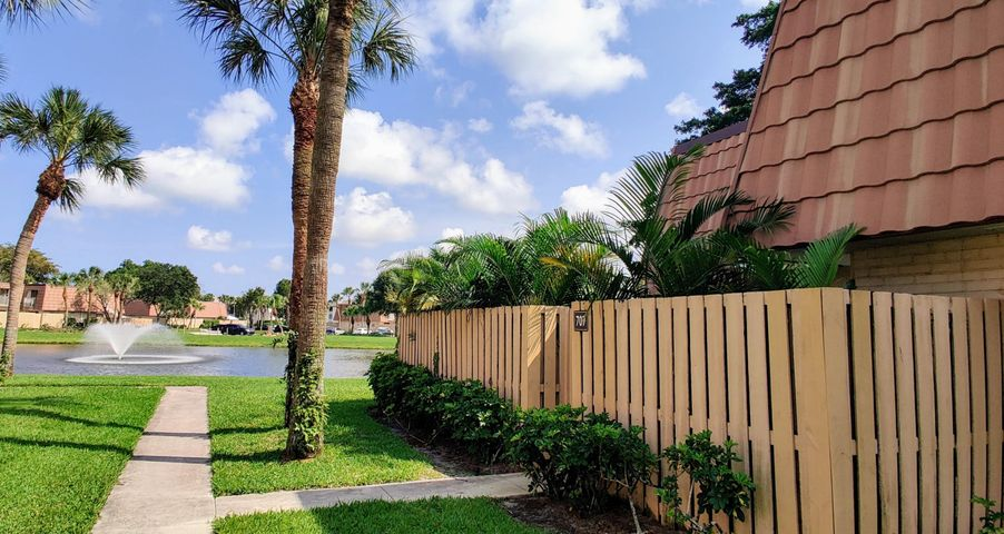 707 Mill Valley Place, West Palm Beach, FL 33409
