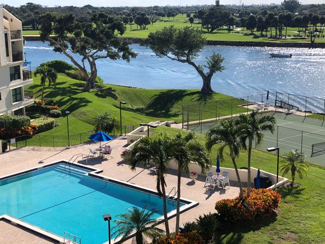 374 Golfview Road, 505, North Palm Beach, FL 33408