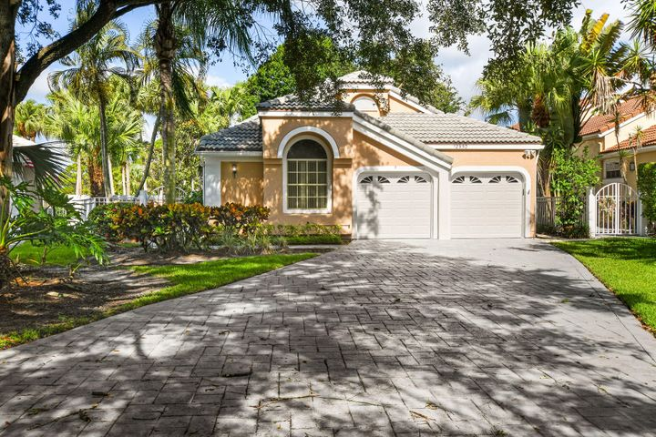 12950 Oak Knoll Drive, Palm Beach Gardens, FL 33418
