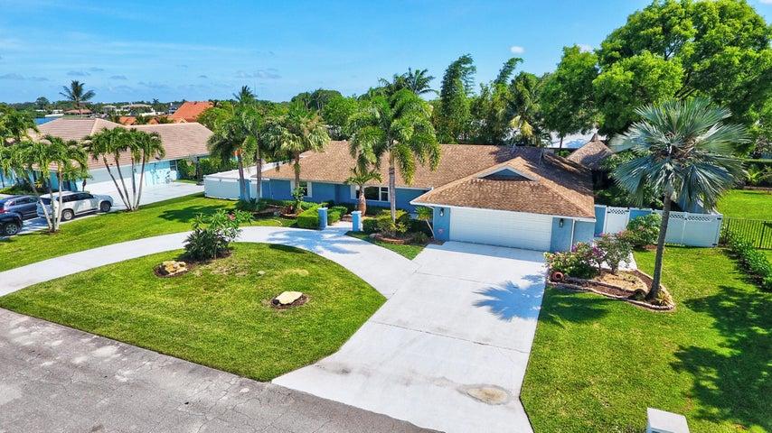 926 SW 37th Court, Boynton Beach, FL 33435