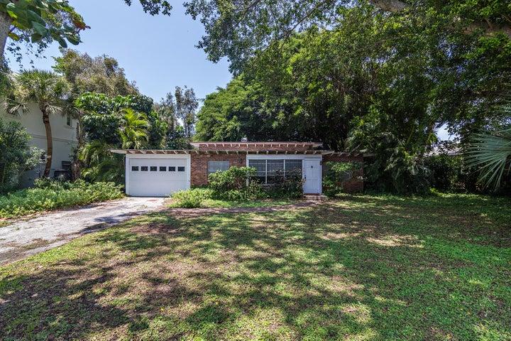 221 Ellamar Road, West Palm Beach, FL 33405