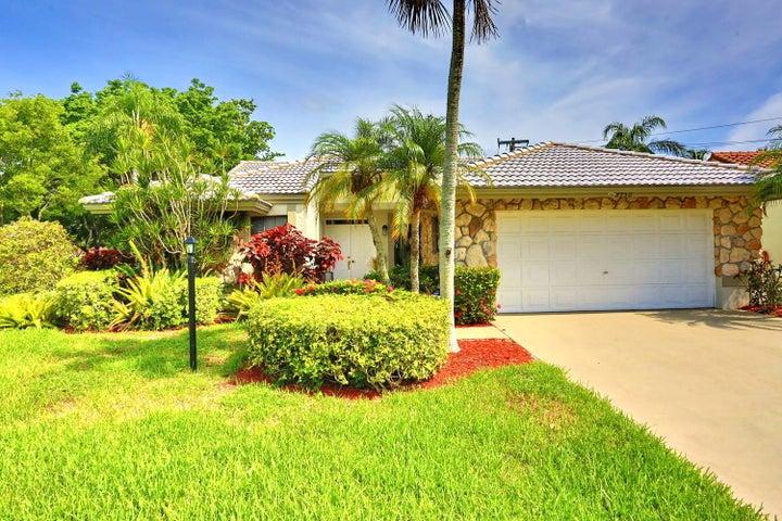 8750 Boatswain Drive, Boynton Beach, FL 33436
