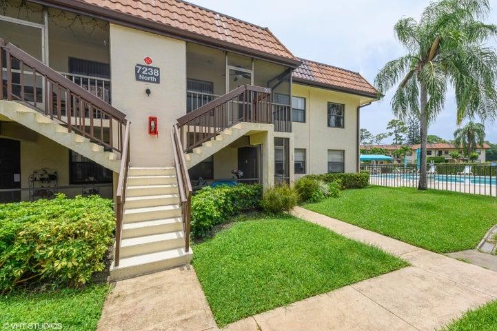 7238 Golf Colony Court, 203, Lake Worth, FL 33467