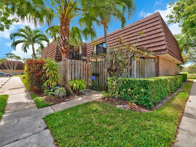 225 2nd Lane, Palm Beach Gardens, FL 33418