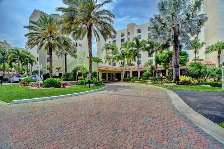 7235 Promenade Drive, J-301, Boca Raton, FL 33433