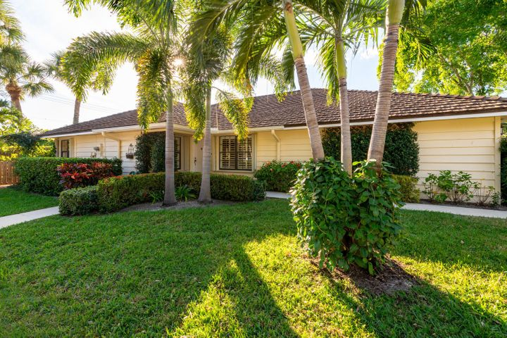 11246 Riverwood Place, North Palm Beach, FL 33408