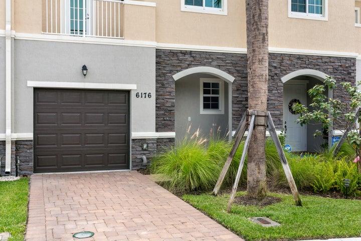 6176 SE Portofino Circle, 3-303, Hobe Sound, FL 33455