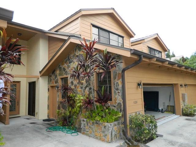 128 SE Crestwood Circle, Stuart, FL 34997