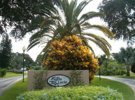 23 Lake Vista Trail, 205, Port Saint Lucie, FL 34952