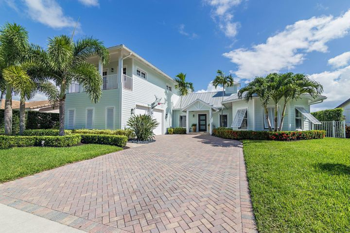 729 Robin Way, North Palm Beach, FL 33408