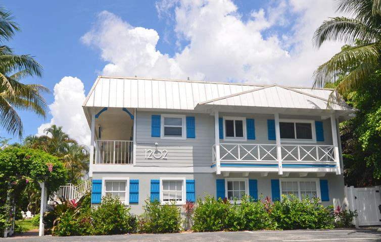 1202 Palm Trail Building