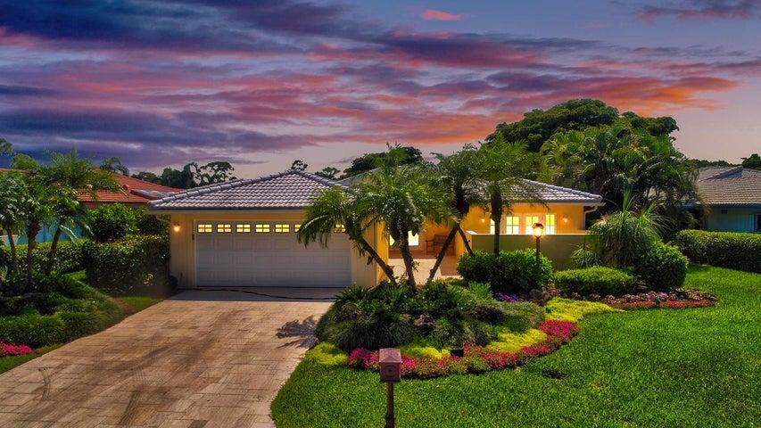 8 Estate Drive, Boynton Beach, FL 33436