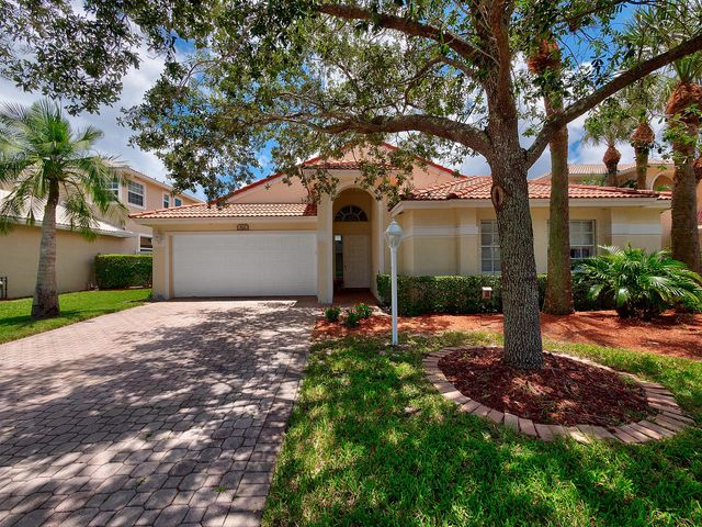 112 Maple Creek Way, Jupiter, FL 33458