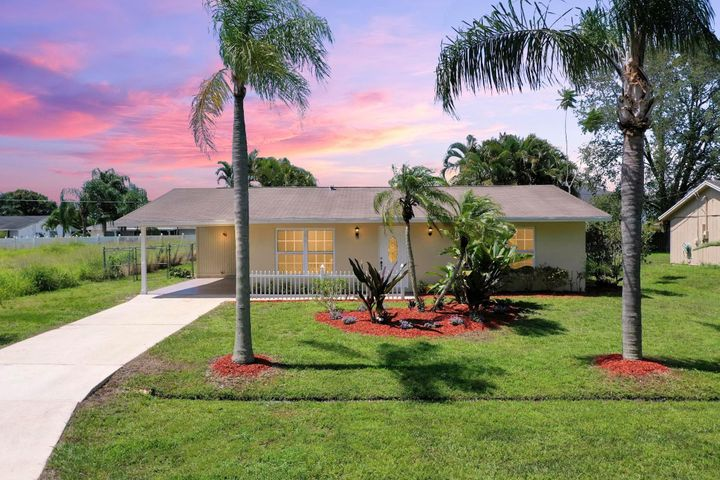 158 SW Ray Avenue, Port Saint Lucie, FL 34983