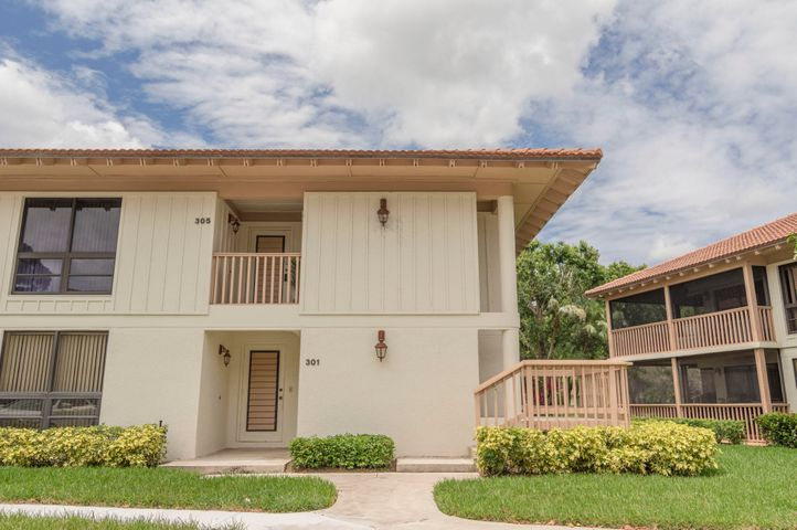 ANNUAL RENTAL, UN-FURNISHED OR FURNISHED RENOVATED, corner unit in PGA National. LIGHT BRIGHT WITH WRAP AROUND BALCONY. WALKING DISTANCE TO COMMUNITY POOL. WATER/SEWER, CABLE & INTERNET INCLUDED IN RENT. SMALL PET WILL BE CONSIDERED.
