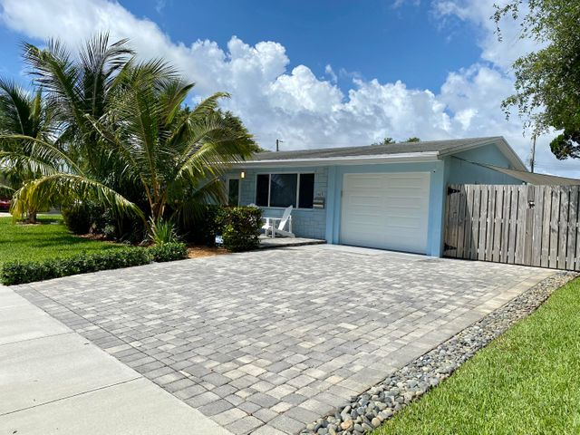 615 Laurel Court, North Palm Beach, FL 33408