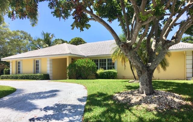 509 N Country Club Drive, Atlantis, FL 33462