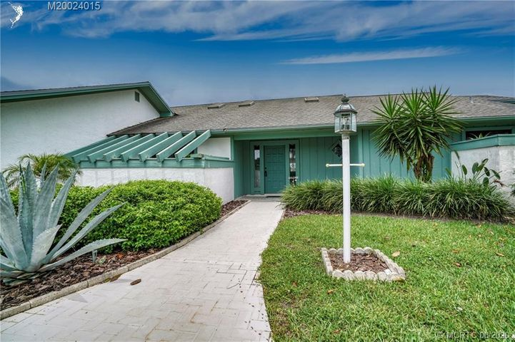 7130 SE Bunker Hill Court, Hobe Sound, FL 33455