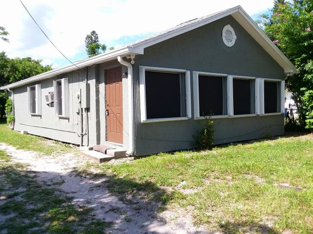 1506 Avenue I, Fort Pierce, FL 34950